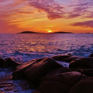 Gorgeous sunset of the coast of Scilly, the prefect way to unwind after your day exploring the islands.